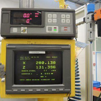 CNC Universal Silindir Taşlama Tezgahı