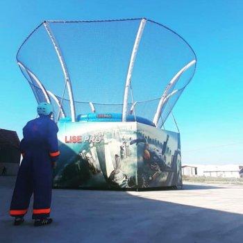 Bodyflying ( Skydiving )