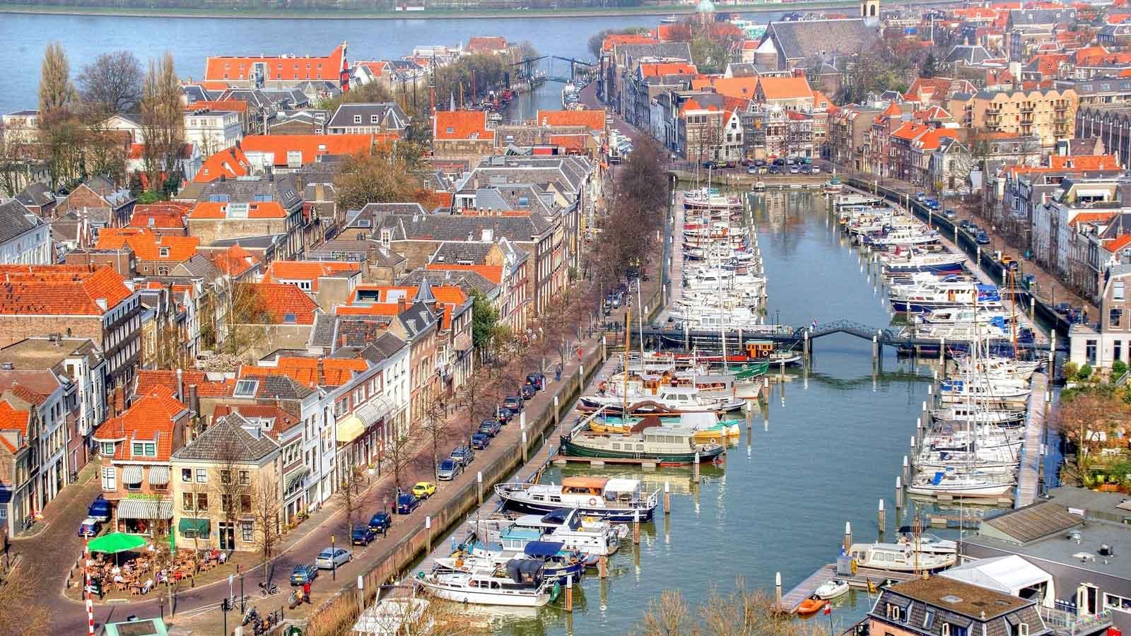 Dordrecht'teki Türk Firmaları