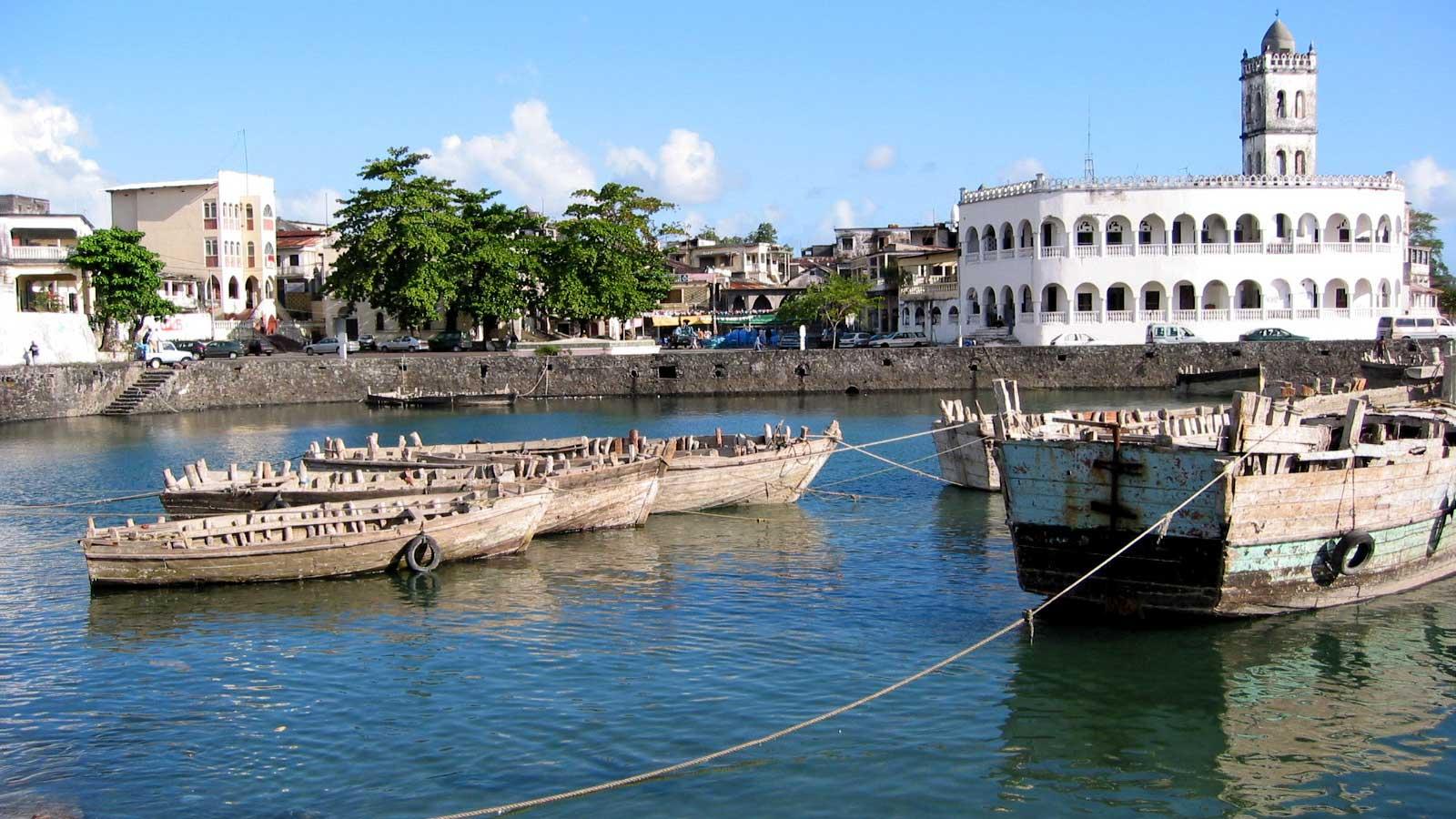 Komor Adaları'ndaki Türk Firmaları