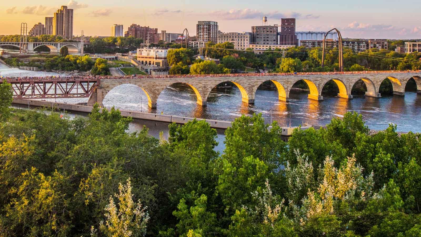 Minneapolis'deki Türk Firmaları