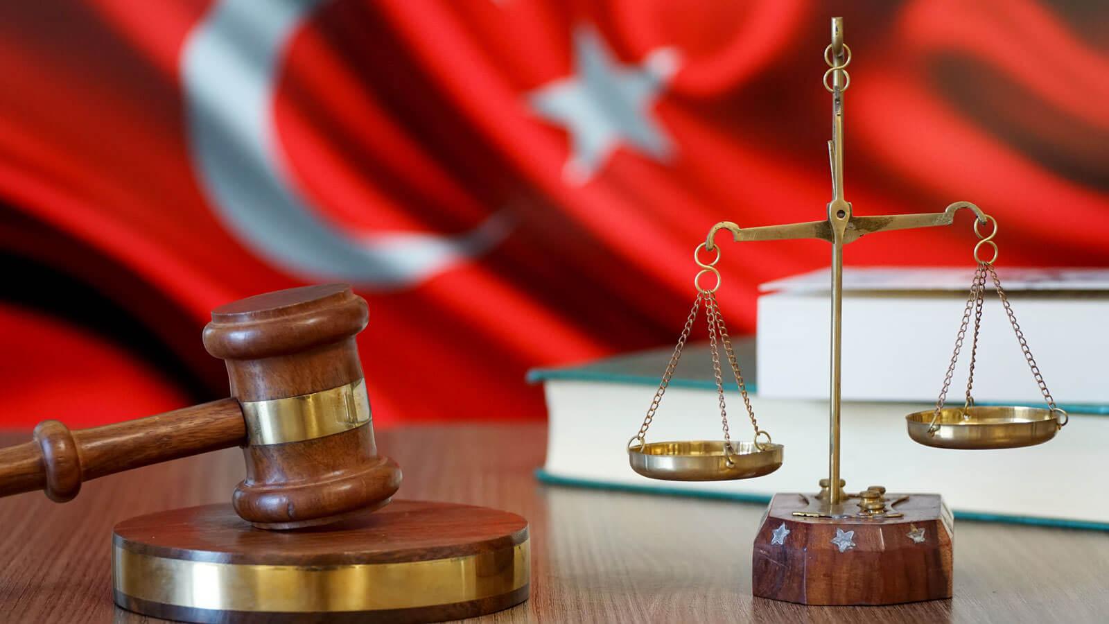 Avukatlar ve Hukuk Müşavirlikleri